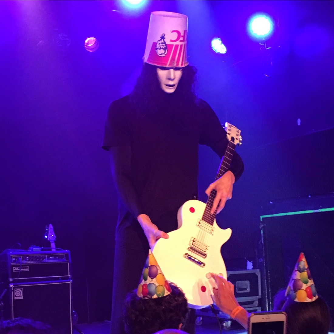 Buckethead closeup from Lincoln Theatre May 13 2016.JPG